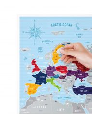 Travel-Map-Europe-Silver_Scratching